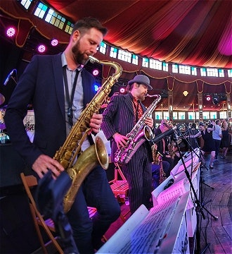 Big Band: Jumpin' at the Spiegel